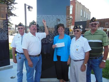 Effingham County Veterans Memorial receives $1,000 from Poterucha Family Foundation Fund