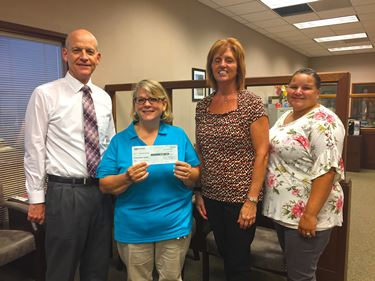 Teutopolis State Bank Fund awards grant to CEFS