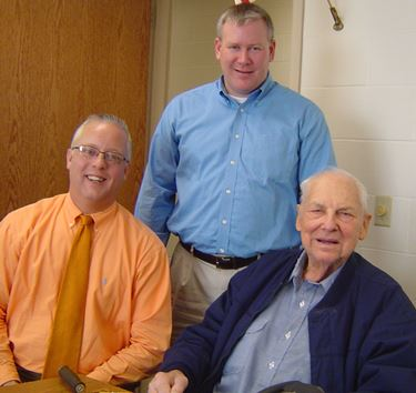 1939 graduate and philanthropist visits Teutopolis High School
